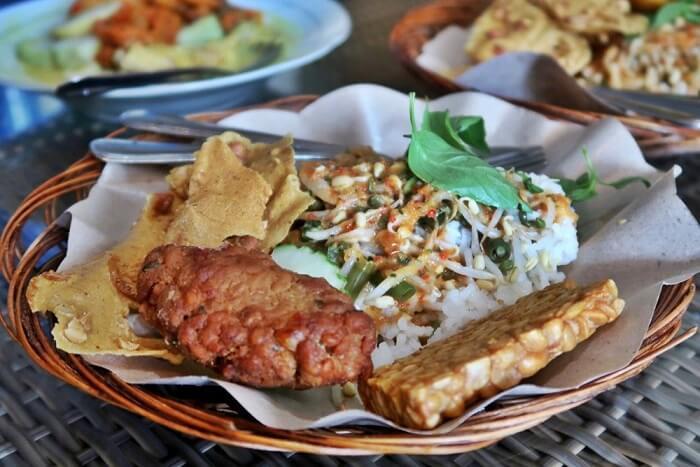 Nasi Pecel Mustika Panderman Makanan Khas Malang